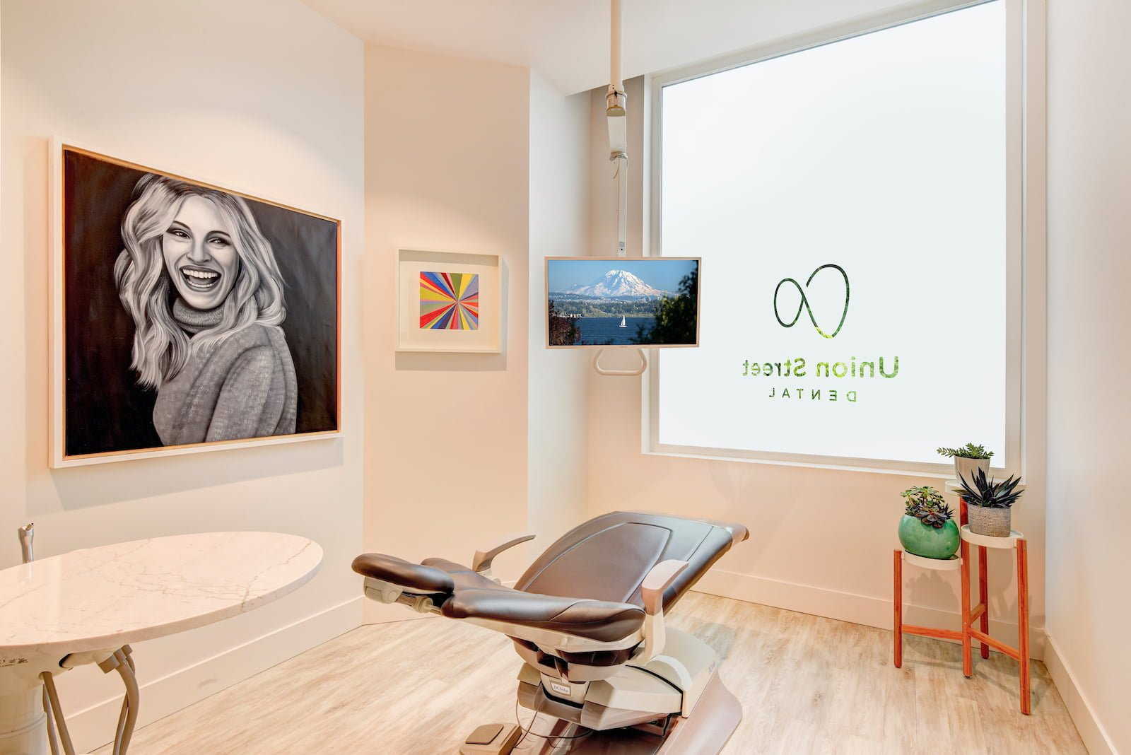 union_street_dental_julia_roberts_art_room